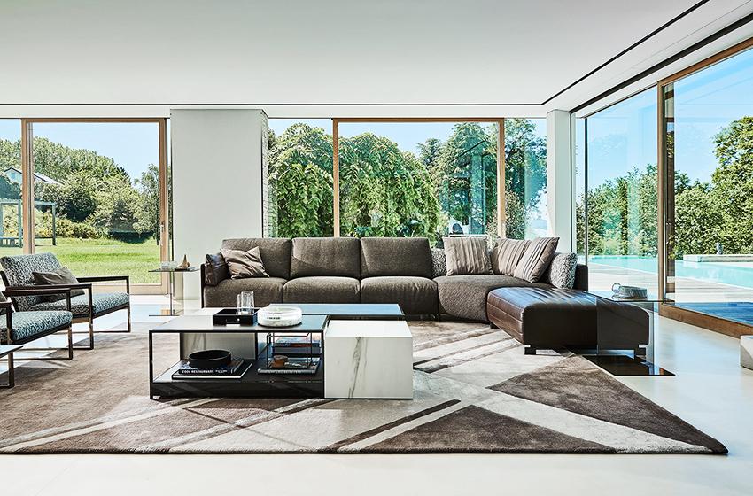 Sofa prie lango
